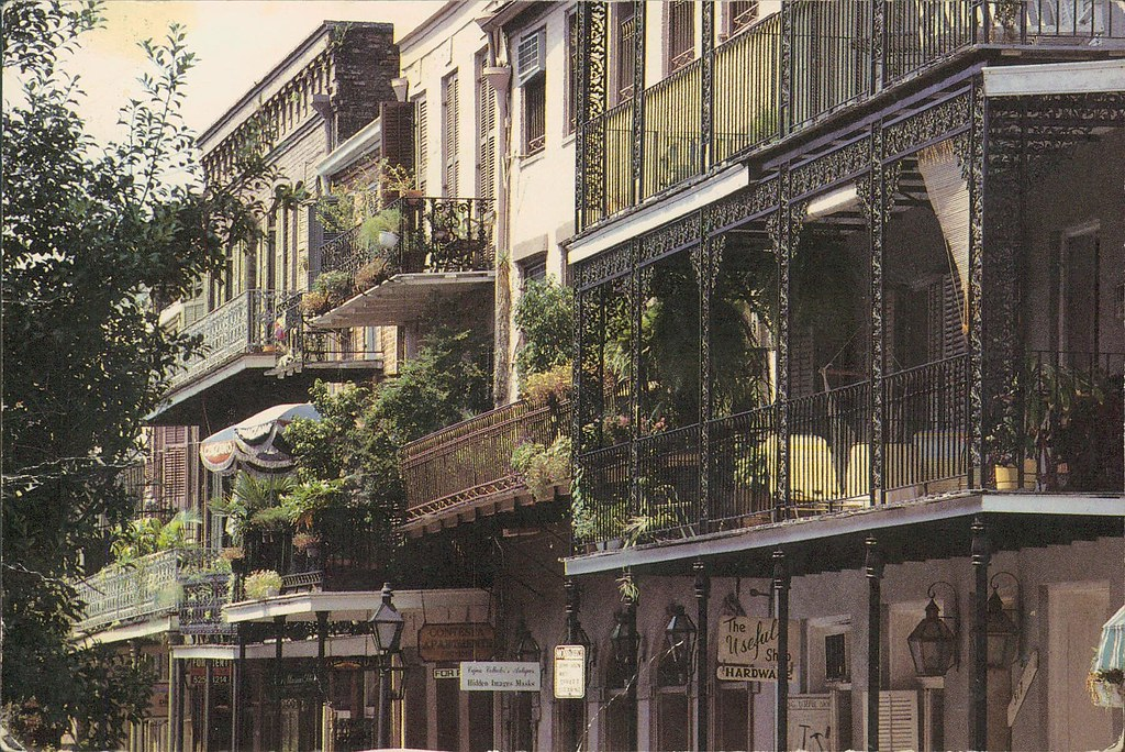 French quarter balconies new orleans the french quarter for Salon n 6 orleans