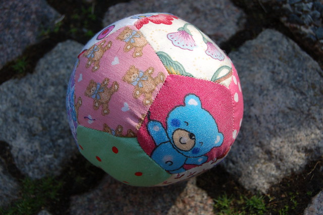 Tutorial: How to Handsew a Patchwork Ball