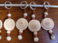 Shell stitch markers