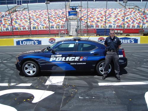 Lenoir Nc Officer At Lowes Motor Speedway Flickr Photo
