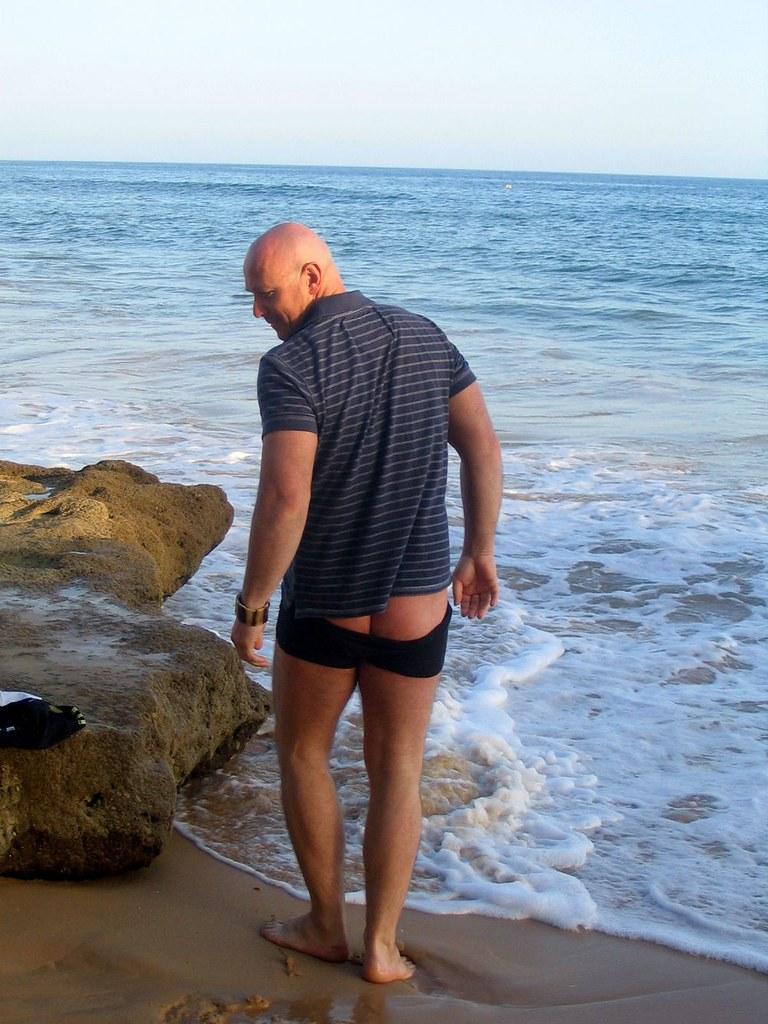 Bruce Willis in Olhos de Aqua a show his ass ;-)) - Algarv… | Flickr Bruce Willis