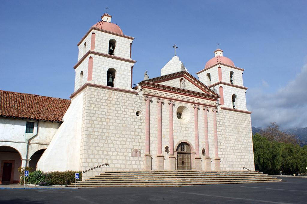 Exterior Of Santa Barbara Mission Mission Santa Barbara
