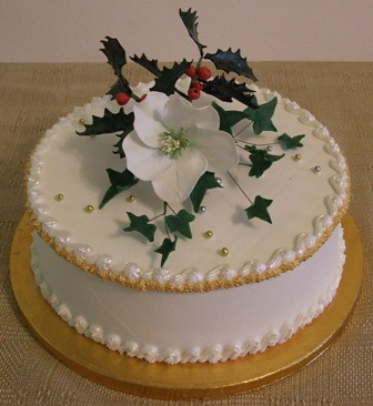 Royal iced christmas cake with christmas rose our for Iced christmas cakes