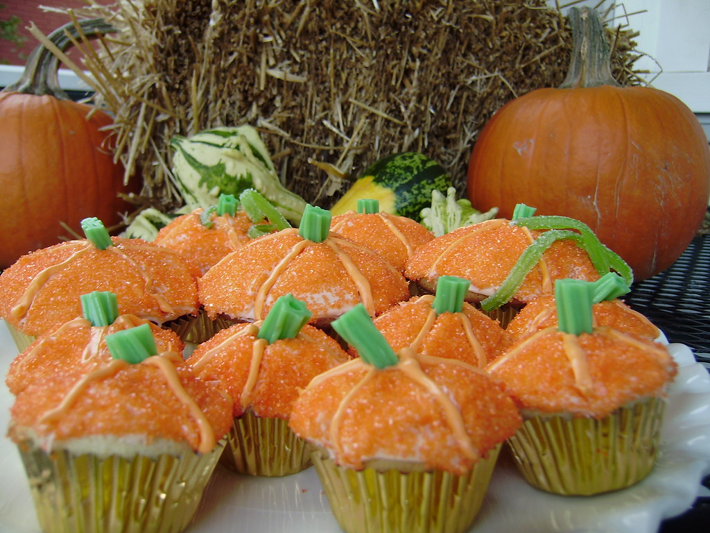 Pumpkin Cupcakes With Cream Cheese Frosting Yellow Cake Mix