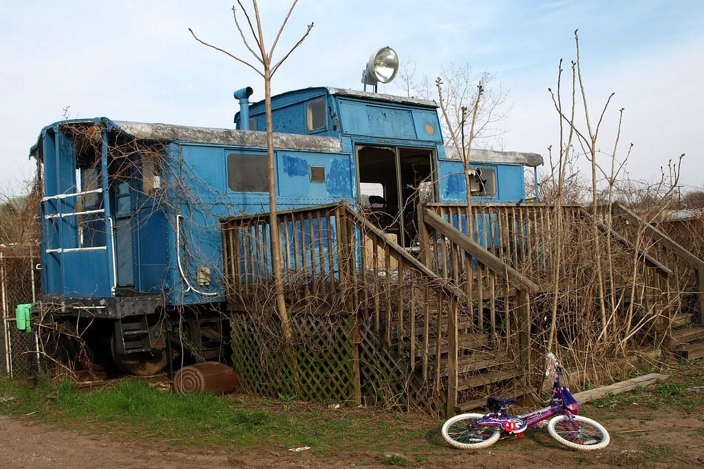 Train car house ridgefield park nj jag9889 flickr for Car house