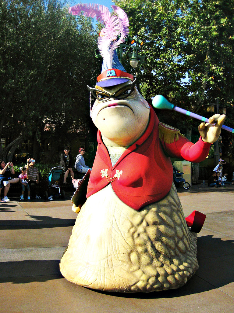 Roz from Monsters Inc | Pixar Parade, Disneyland | Flickr