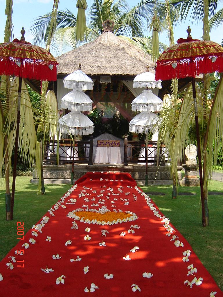 Melia beno balinese wedding decor melia benoa is located j flickr junglespirit Images