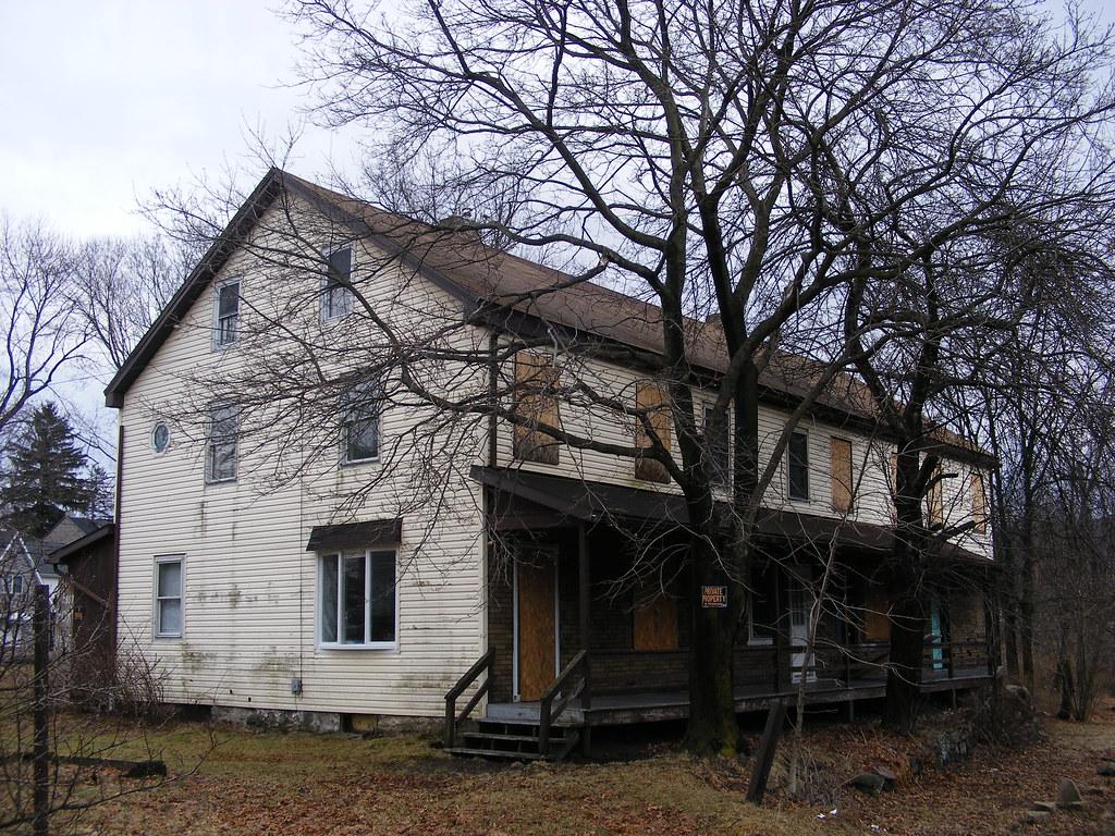 Railroad house, Weathe...