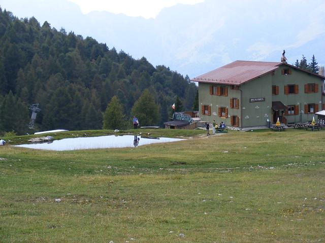 Piani di bobbio rifugio stella alpina flickr photo for Piani di energia stella casa