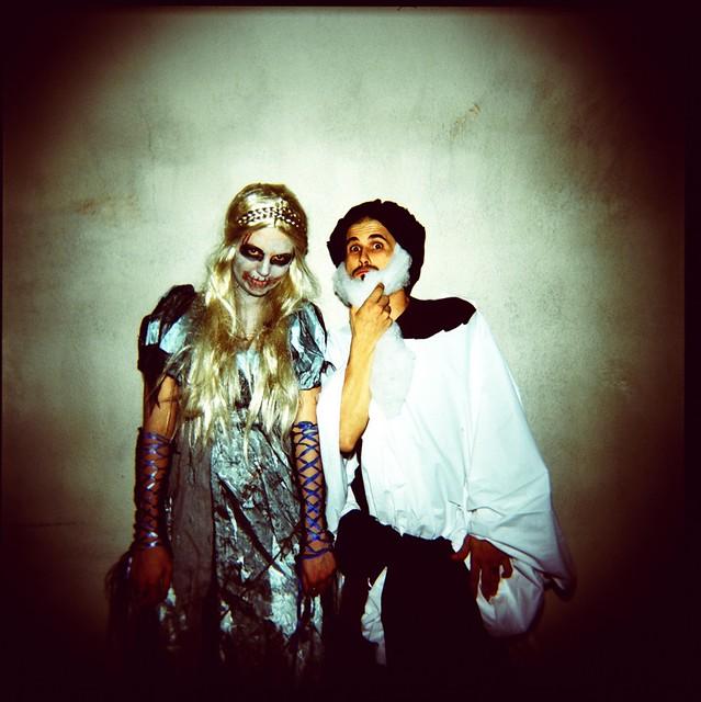 Halloween Duo.Halloween Duo My Blog Myspace Com Threelittleowls Threeli
