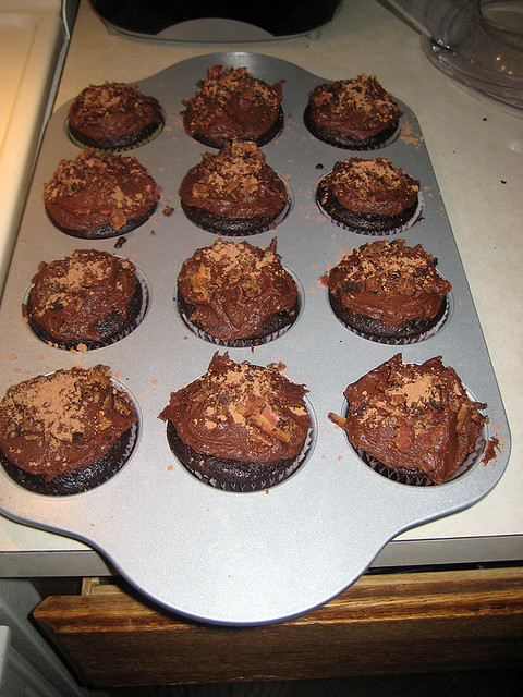 Dark Chocolate Bacon Cupcakes! | I made them after seeing pi ...