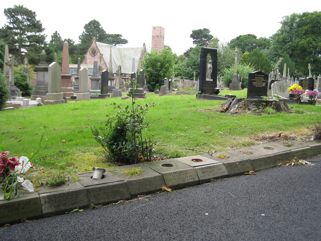 Macclesfield Cemetery This Photo Shows Parts Of