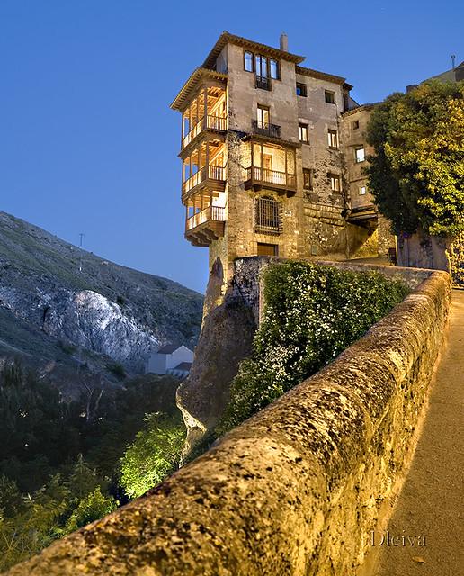 Casas colgadas / Hanging houses (Cuenca)  Una imagen inevit…  Flickr