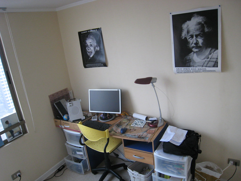 bureau de travail chambre d 39 ami lejyby flickr. Black Bedroom Furniture Sets. Home Design Ideas