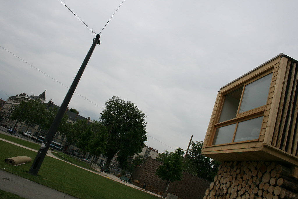 qu 39 est ce que a fait l une maison en bois au milieu de flickr. Black Bedroom Furniture Sets. Home Design Ideas