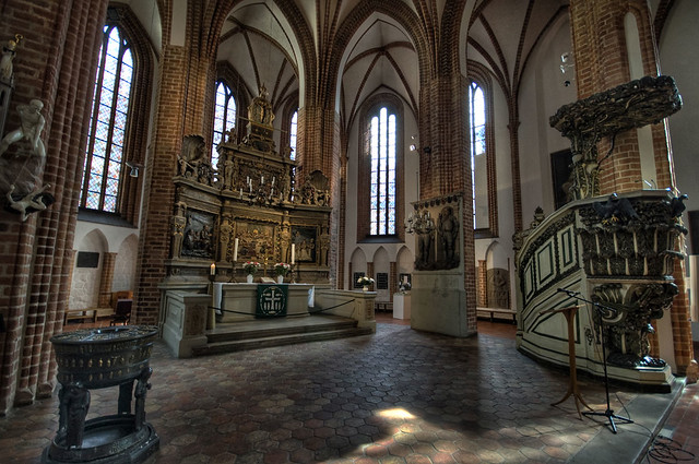 Nikolaikirche Inside HDR #3