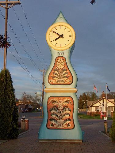 Mora Clocka At Sunset Mora Minnesota The Brightly