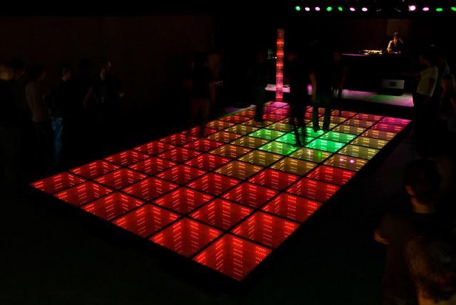 Sustainable dance floor at watt rotterdam daan roosegaard for 1 2 3 4 dance floor