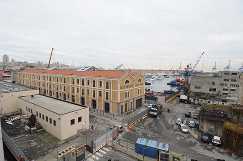 Istituto Nautico San Giorgio e la Darsena ...