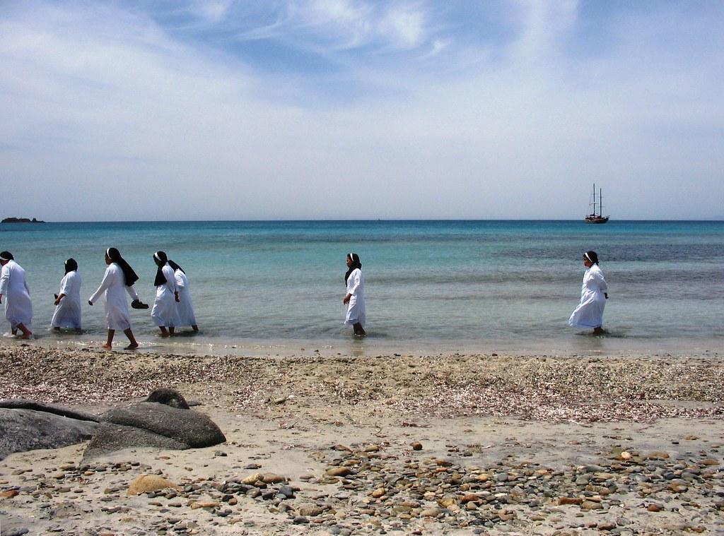 Suore giapponesi al mare paolo ollano flickr for B b budoni al mare