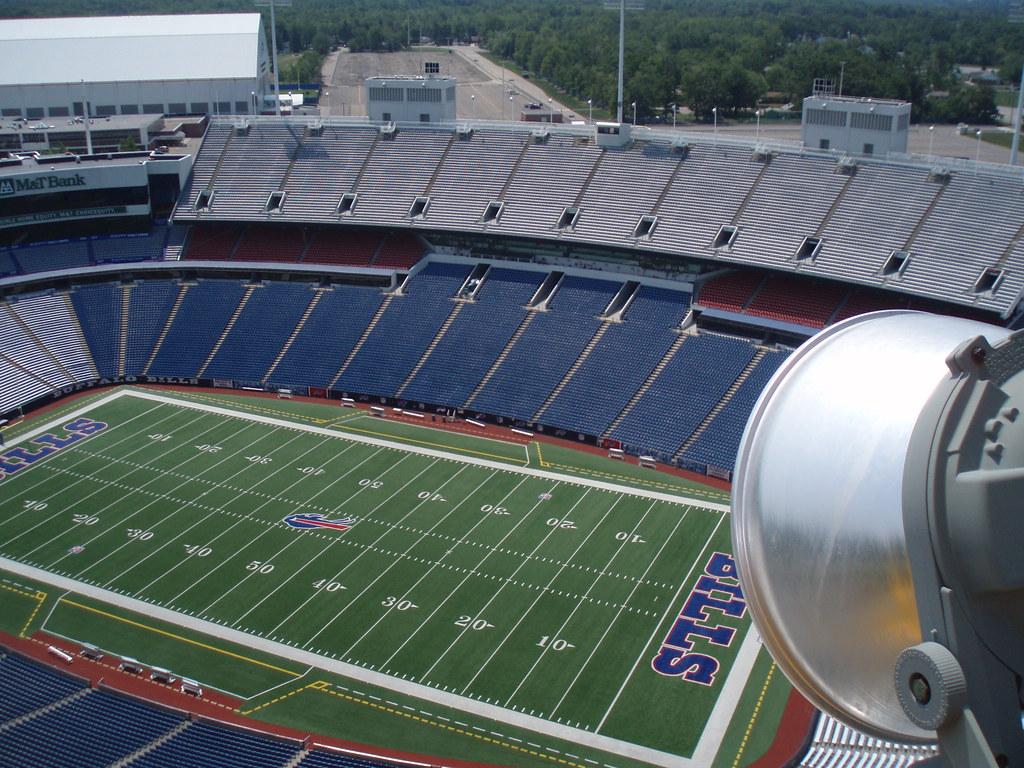 Ralph Wilson Stadium, Buffalo Bills, Buffalo NY. Crane lif… | Flickr