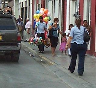La calle de las sirentildeas - 2 3