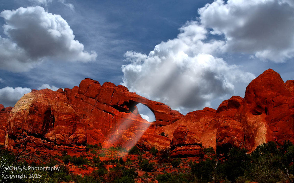 Skyline Arch - Picture of Skyline Arch, Arches National Park ...