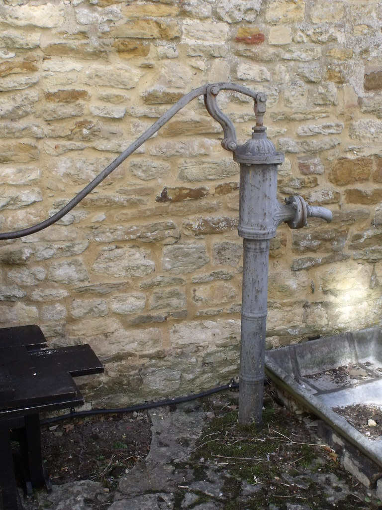 Old objects at sulgrave manor water pump this is used for Old objects