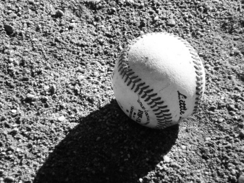 black and white baseball | there - 134.7KB