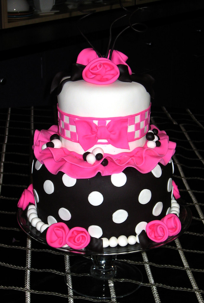 Pink And Black Cakes Ideas