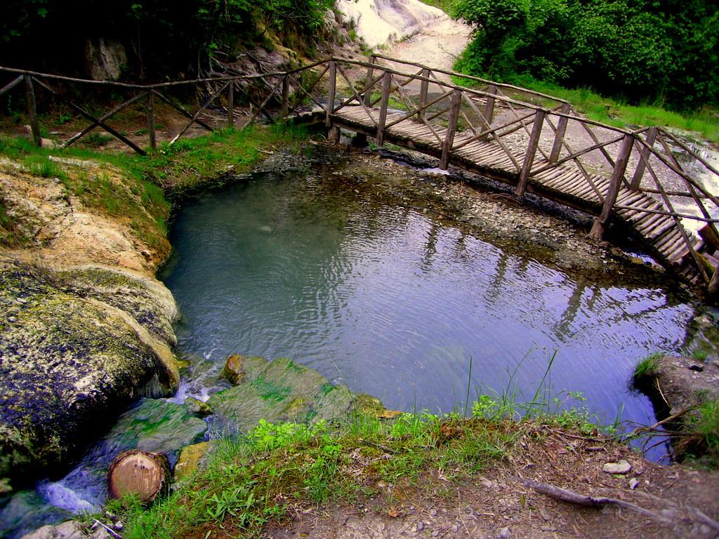 Bagni s filippo fosso bianco bagni s filippo una picc flickr - Bagni s filippo ...