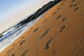 Footsteps on the beach | by Tomás Fano