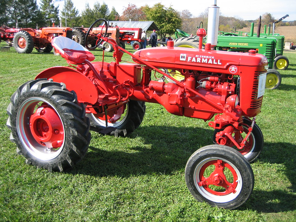Antique Farmall International Harvester Tractor This