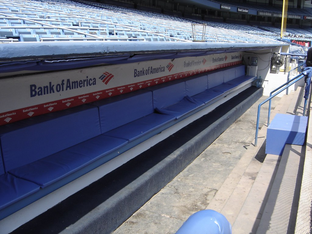 Wbmason Day Dugout Bench Yankees Empty Bench In Dugout Flickr