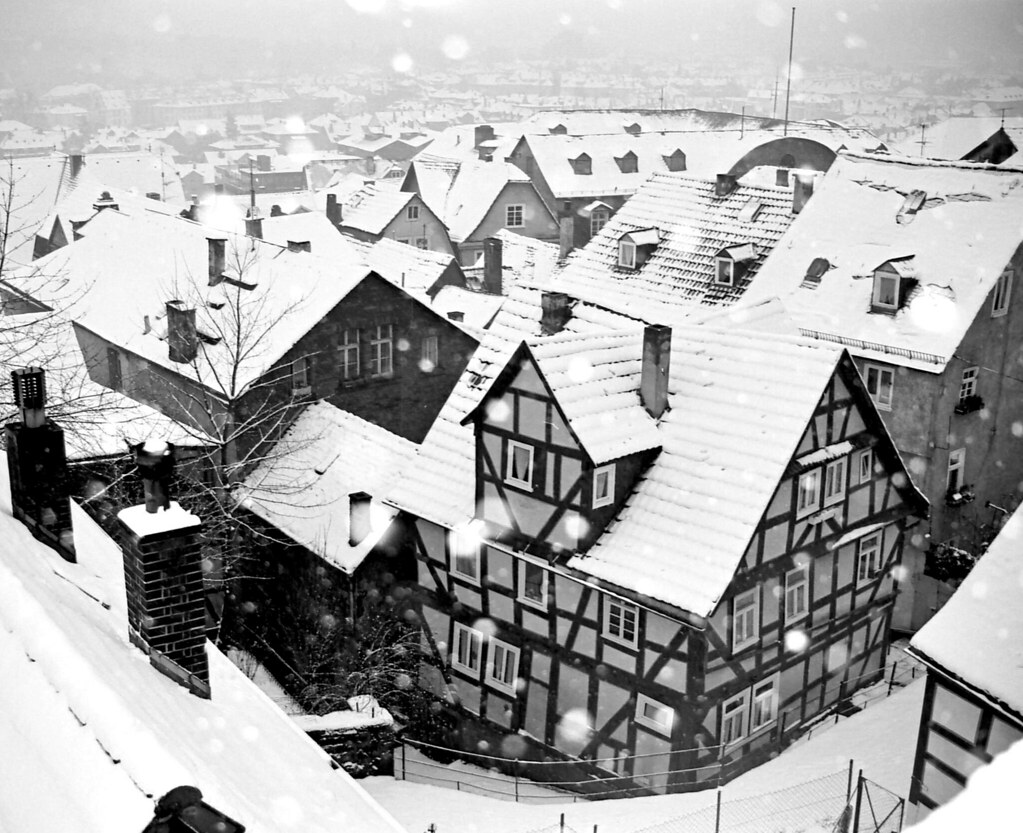 snow in marburg germany snowflakes dancing on the roofs flickr. Black Bedroom Furniture Sets. Home Design Ideas