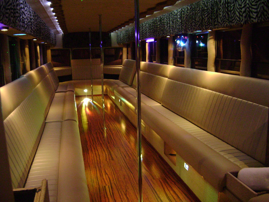 Inside Our Party Bus This Is What I Want The Crown Look