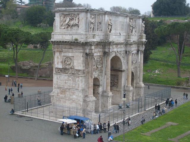 El arco de Trajano desde el coliseo  Explore jmerelos phot…  Flickr - ...