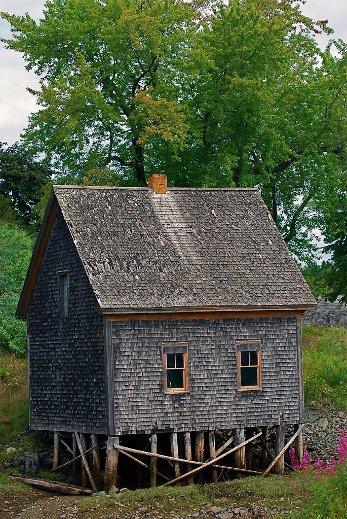 Old Wooden Tidal Shack This Shack Of Wooden Shingles And