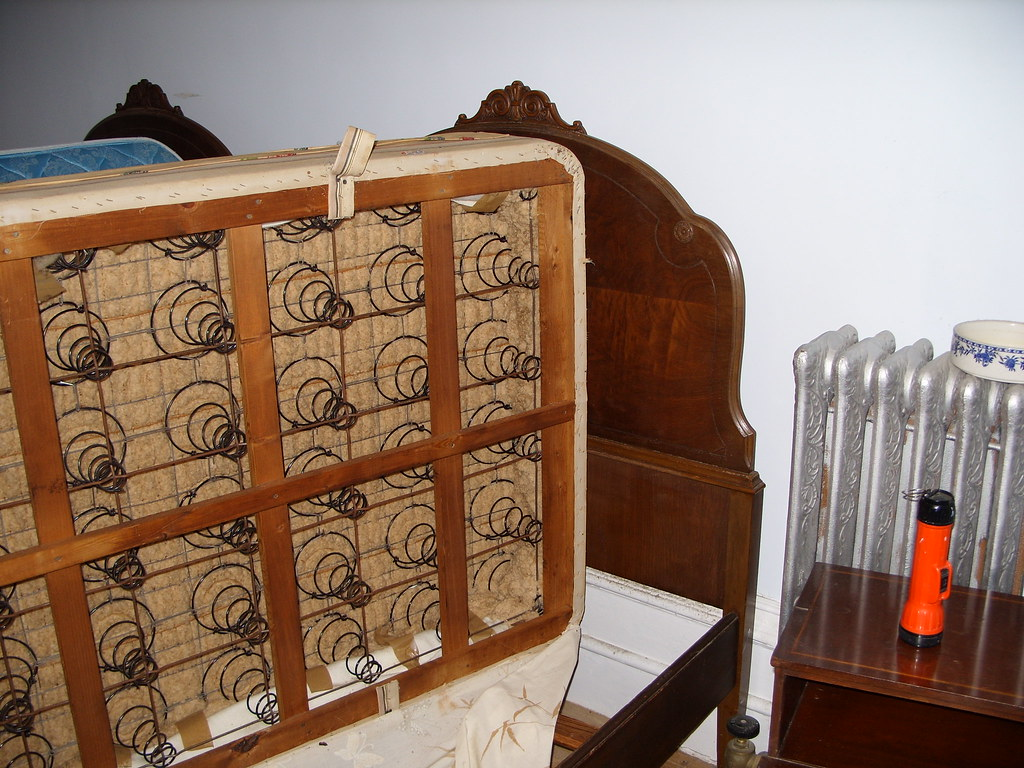 Bed Frame Headboard Amp Box Spring See Close Up Pictures