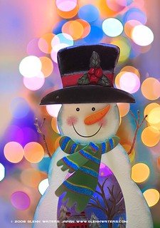 Snowman Bokeh  © Glenn E Waters   (Explored). Over 30,000 visits to this photo. | by Glenn Waters ぐれんin Japan.