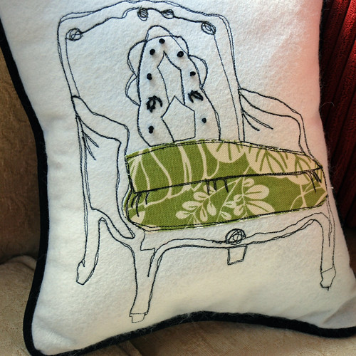 Free motion stitched pillow | by melimeloart