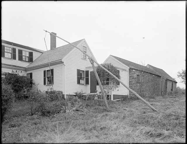 Old oaken bucket house of woodsworth 39 s song scituate mas for Old house songs