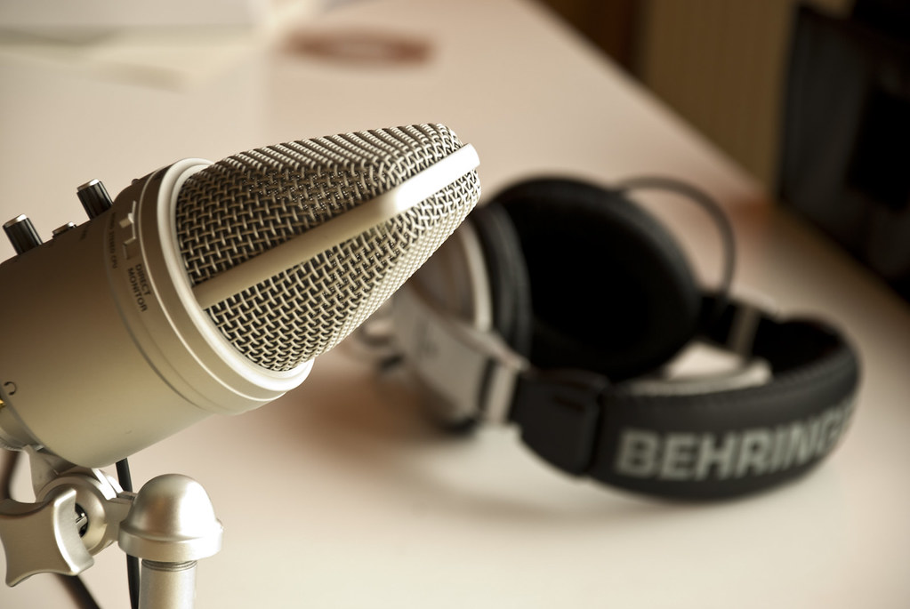 2743534799_e1c988d6be_b Top 5  Podcasts to get Physical Therapy News On the Go