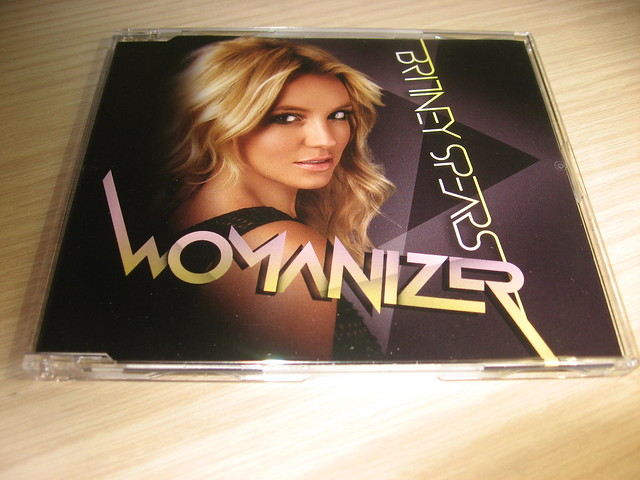 Britney Spears - Womanizer (Full HQ Song) - YouTube