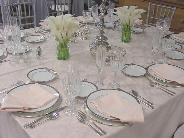 ... calla-white-centerpieces-table -setting-wedding-reception | by tibimages & calla-white-centerpieces-table -setting-wedding-reception | Flickr