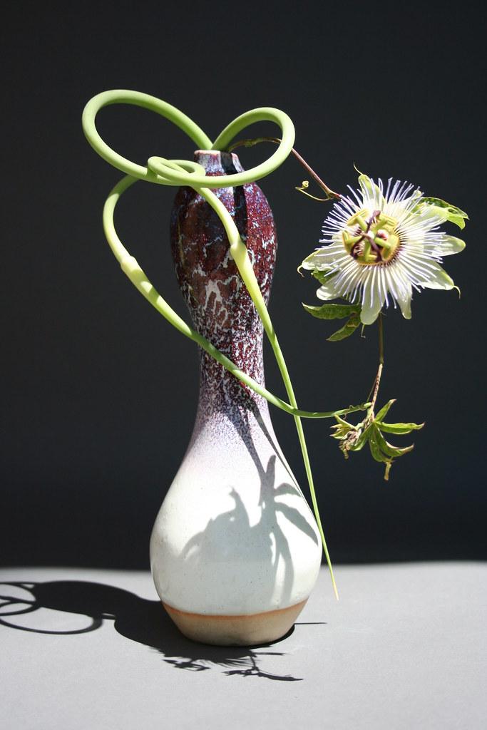 freestyle ikebana 2 same arrangement of garlic scapes and flickr. Black Bedroom Furniture Sets. Home Design Ideas