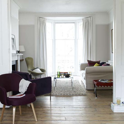 Wall Grey And White Living Room: Soft Grey Walls, Floor-length Curtains