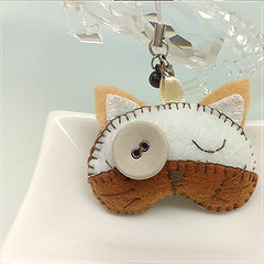 Handmade White/Brown Cat charm | by desire2handmake