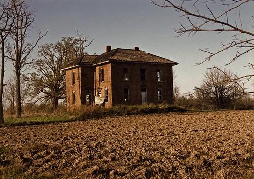 Ohio brick farmhouse twenty years ago i found this for Farmhouse brick