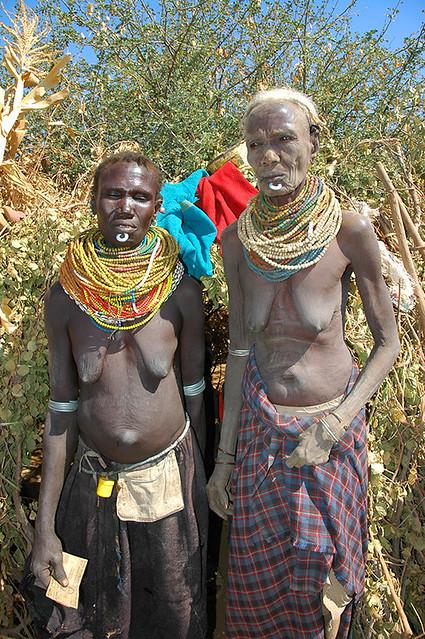 The Nyangatom Tribe   Mother & Daughter   Andrew Hosegood   Flickr: https://www.flickr.com/photos/30641500@N07/3197993130